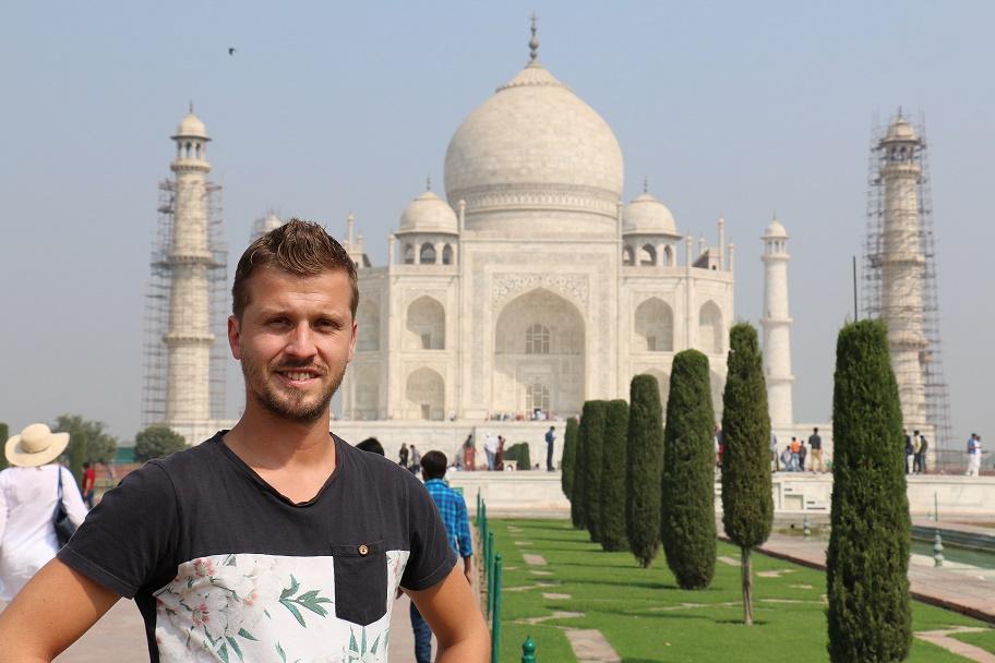 Agra_Taj_Mahal_5_thebraidedgirl