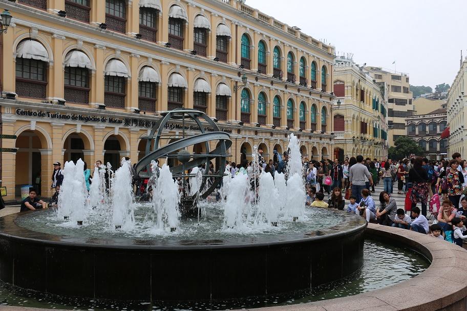 Macau_Senado_Square_thebraidedgirl