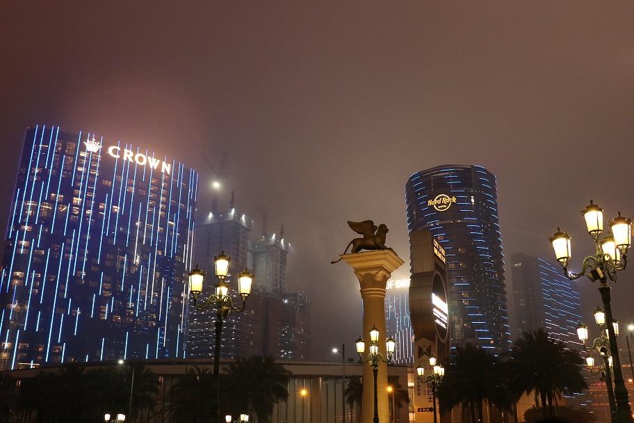 Travel_Update_Macau_City_Of_Dreams_HardRock_Hotel_4_thebraidedgirl