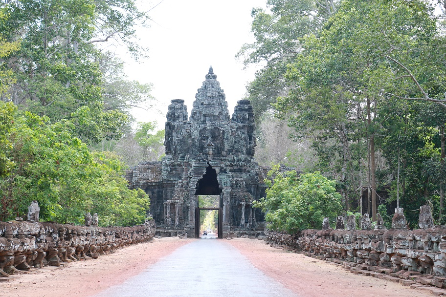 Angkor_thebraidedgirl