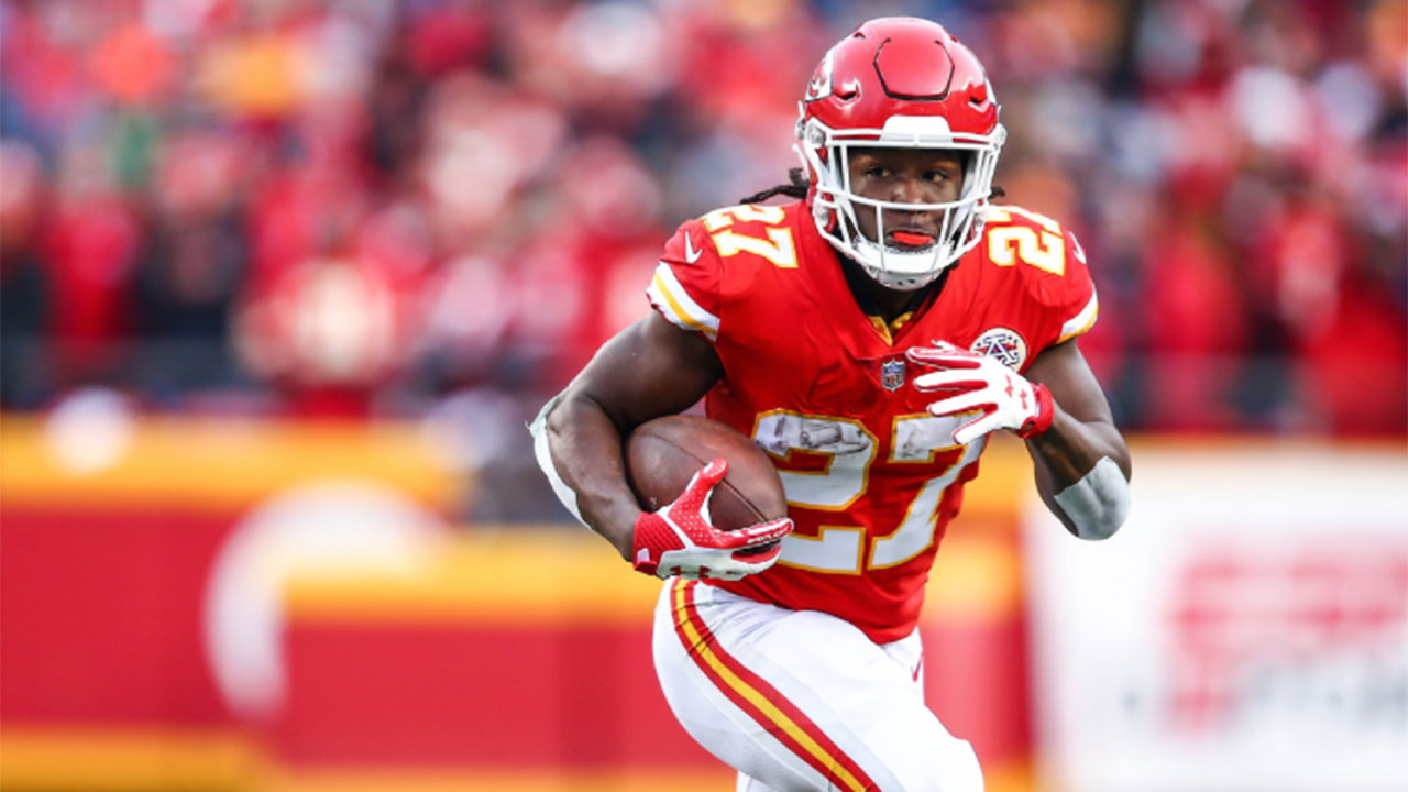 chiefs-rb-kareem-hunt-voted-pfwas-rookie-of-the-year-for-2017
