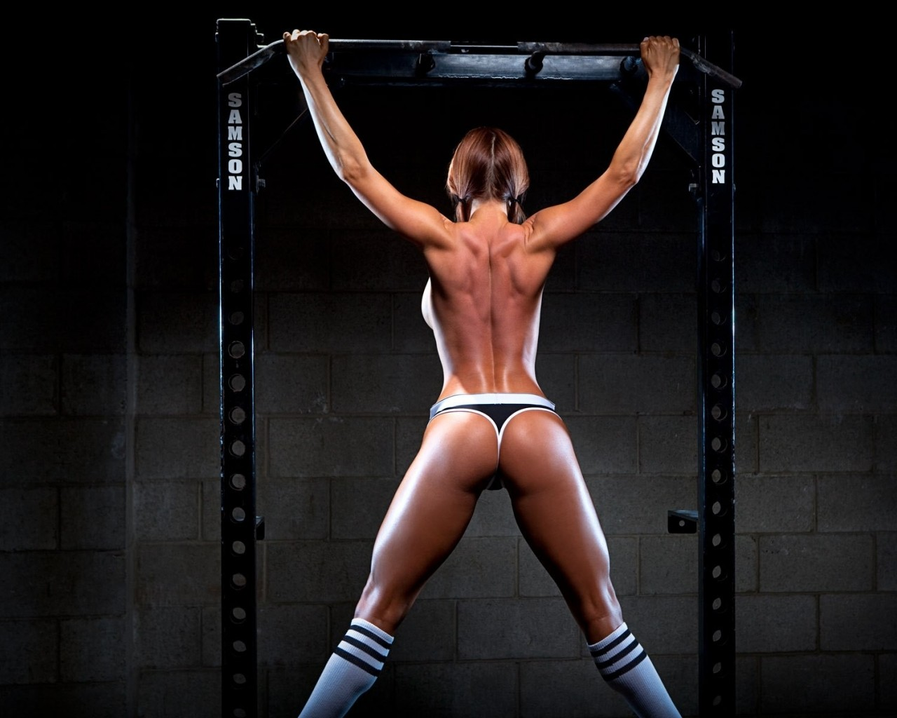 back_skinny_ass_fitness_model_working_out_model_women-342071.jpg
