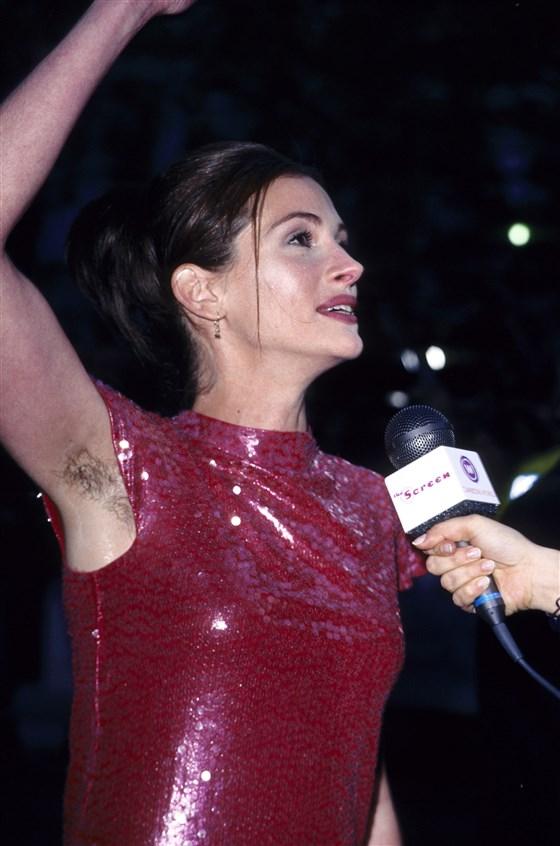 julia-roberts-armpit-hair-today-inline-181105-03_ee3444af7cd7c4eadba5ee3460347d61.fit-560w.jpg