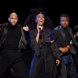 LAS VEGAS, NV - NOVEMBER 06: Singer Brandy (C) performs onstage during the 2016 Soul Train Music Awards at the Orleans Arena on November 6, 2016 in Las Vegas, Nevada. (Photo by Kevin Winter/BET/Getty Images for BET)