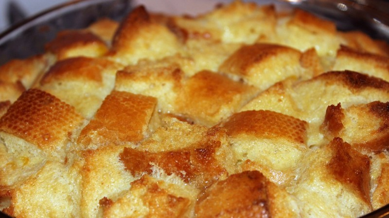 Baking Bread Pudding: Don't throw away that stale bread!