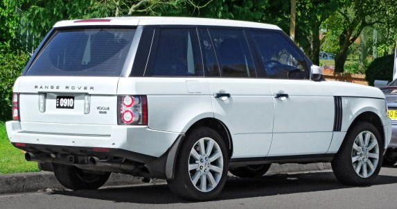 Range Rover - used luxury cars that make you look wealthy