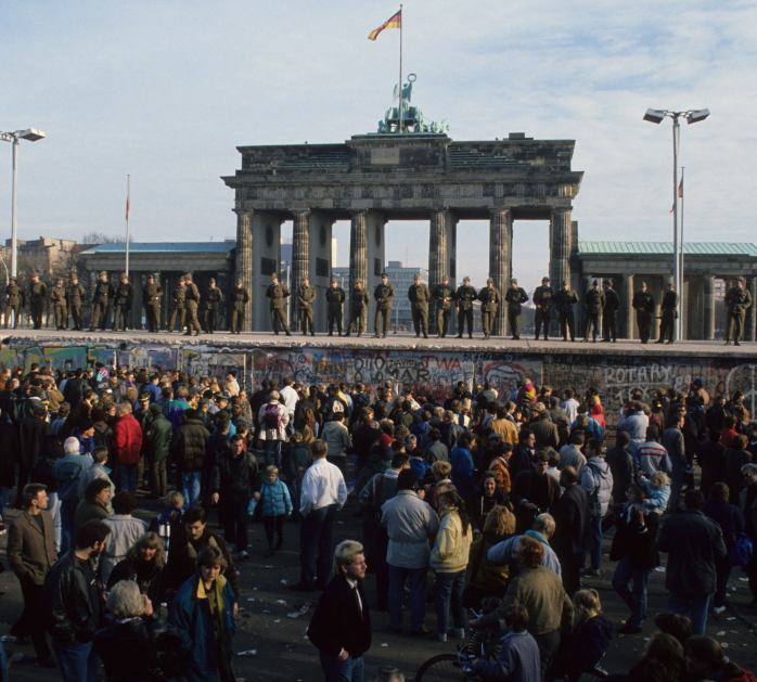 November 11th, 1989; 1989; Berlin in 1989; Berlin on the night of the Fall of the Berlin Wall; After the Fall of the Berlin Wall; Berlin Wall; Mauerfall; Brandenburg Gate; Brandenburger Tor; Gate; Tor; Brandenburg; Berlin; Germany; Federal Republic of Germany; Festival of Lights; Freedom; Identification; FRG; GDR; DDR; German; German Democratic Republic; Reunification; German Reunification; Nur Mit Euch; Only With You; October 3rd; 1989; Tag der Deutschen Einheit; der Deutschen Einheit; Deutschen Einheit; Deutsche; Deutsche; East Germany; West Germany, the Germans; Germans; die Deutschen; Mauer; After the Fall of the Berlin Wall; Europe; Travel;