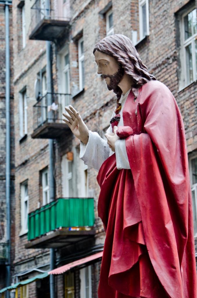 Jesus in Warsaw; christianity; christian; christian art; religious art; Warsaw; Warszawa; Warschau; Poland; Polish; statue; Polish statue; Eastern Europe; Europe; travel; family travel; family