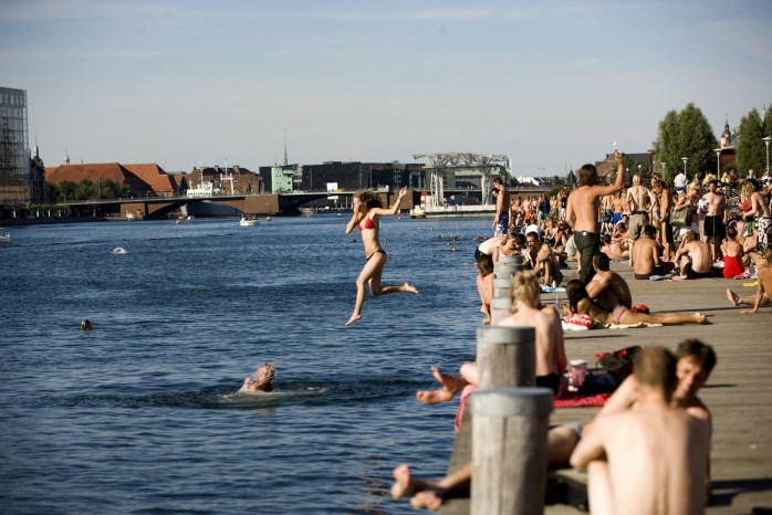 Leaping into the harbour baths at the Islands Brygge! How to visit Copenhagen on a budget. Even though I missed my last connection. Again!