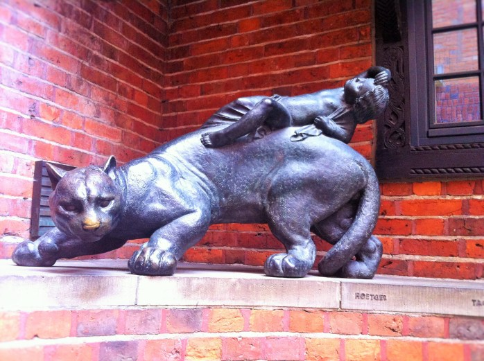 In many parts of the old town of Bremen, you stumble upon statue after statue!