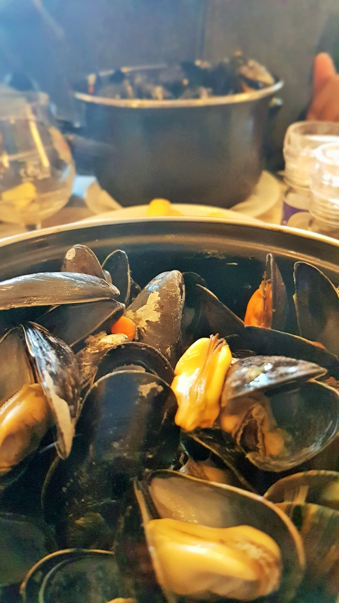 Mussels for Everyone! Victoria Ade-Genschow; The British Berliner; mussels, moules; Bruges; Belgium; Europe; travel; family travel;