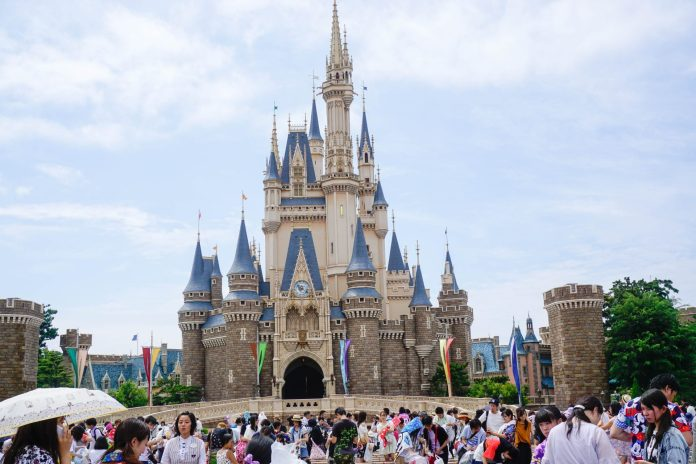 central-castle-icon-disneyland-tokyo-japan-thebroadlife-travel-wanderlust-asia