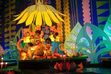 smallworld-fairytales-yellow-disneyland-thebroadlife-travel-wanderlust-tokyo-japan-asia