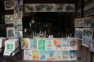 poster-buddha-souvenir-gift-shopping-hoian-ancienttown-thebroadlife-travel-vietnam