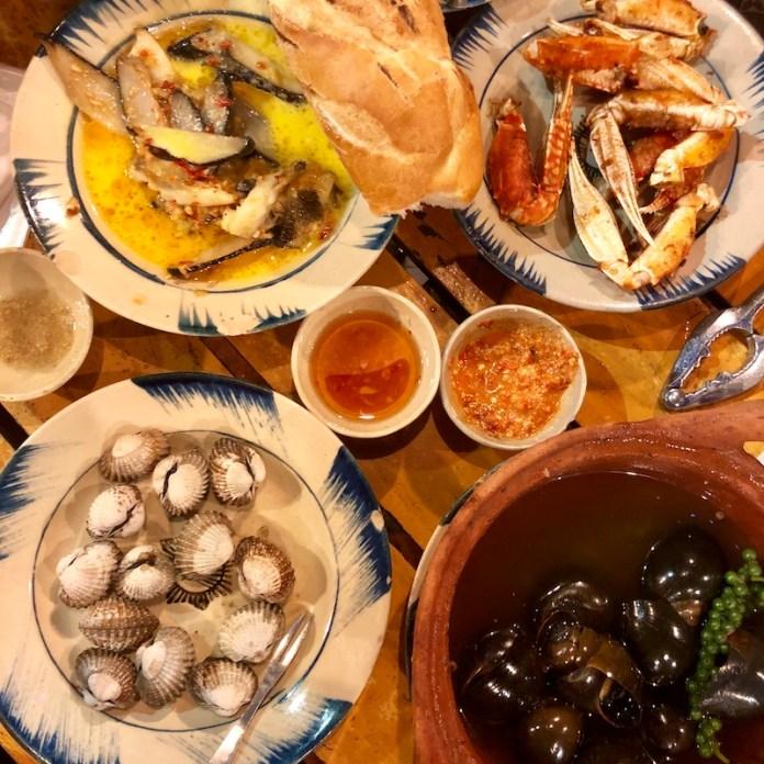 Ốc 2 Chị Em, Oc, Saigon food, Vietnamese cuisine