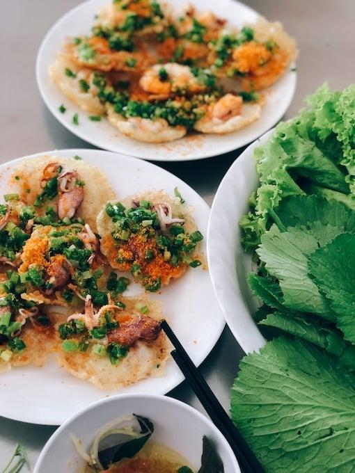 bánh khọt at vung tau, vietnam