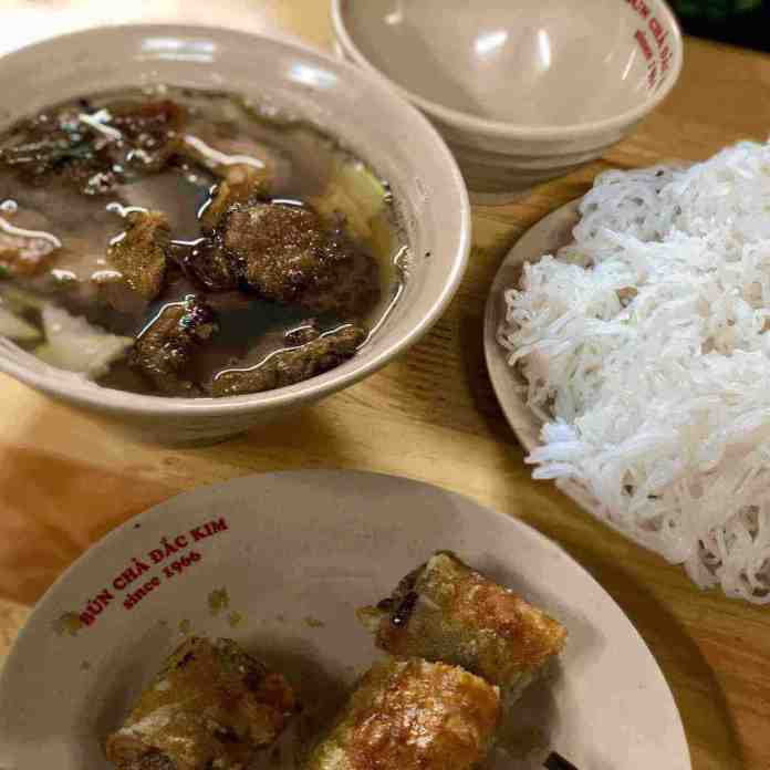 bún chả hà nội, a Hanoi food