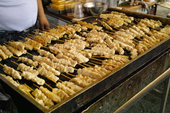 Yakitori, street food to enjoy when travel to Japan