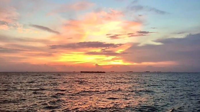 Manila Bay when the sundown.