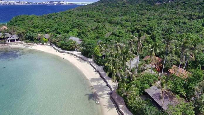 Whale Island Resort and its bungalows