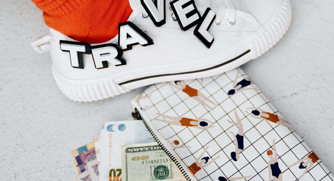 words travel on a shoe and money on the ground