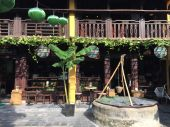 the coffee shop that has AC, +10 point for Hoi An Rostery :D