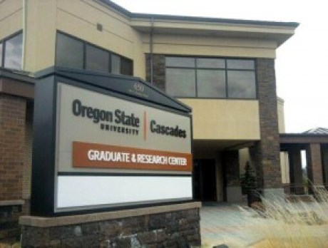 The new OSU-Cascades Graduate and Research Center located at 650 southwest Columbia street in Bend, Oregon. (Photo by Lauren Hamlin | The Broadside)