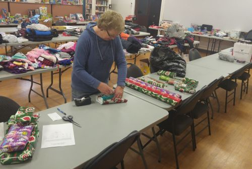 Christmas Wish program delivers for more than 80 families in Brock