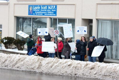 Sunderland parent leads protest of changes to autism program at MPP's office