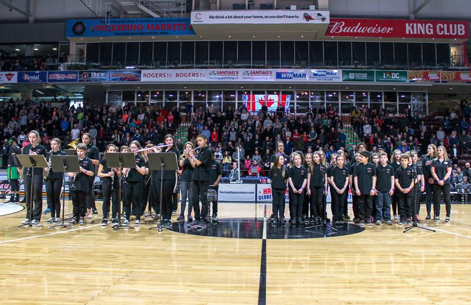 McCaskill's Mills students sing national anthem at Harlem Globetrotters game
