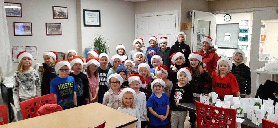 Kids help spread some holiday cheer through Seniors Greetings