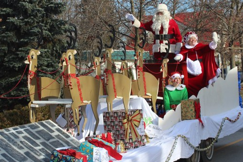 Visit Santa in MacLeod Park Saturday night