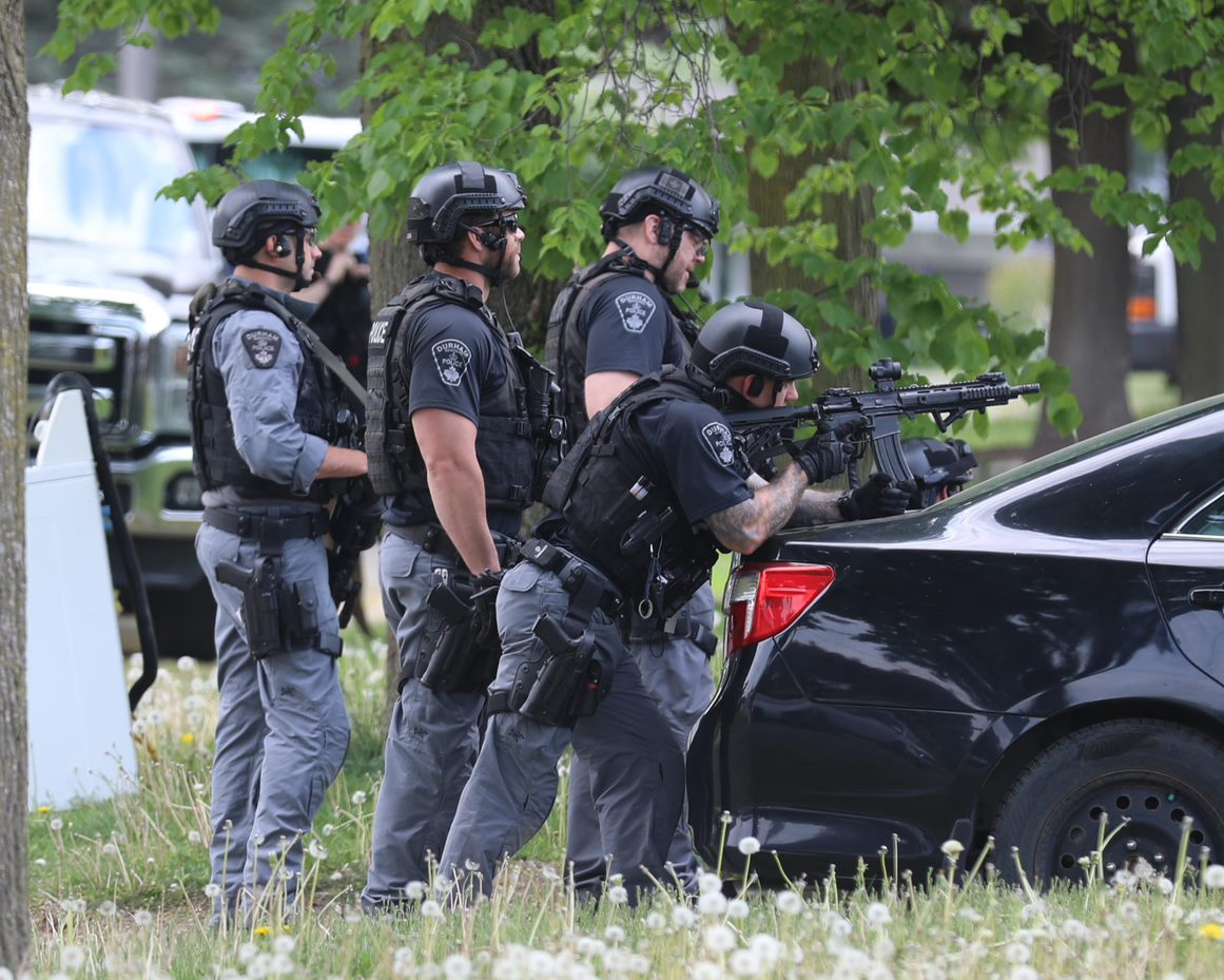Woman facing charges after standoff in Oshawa