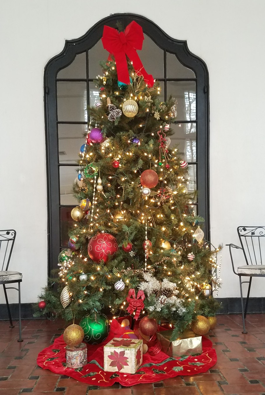 20181224_131950Christmas-Tree-Loggia-2018.jpg