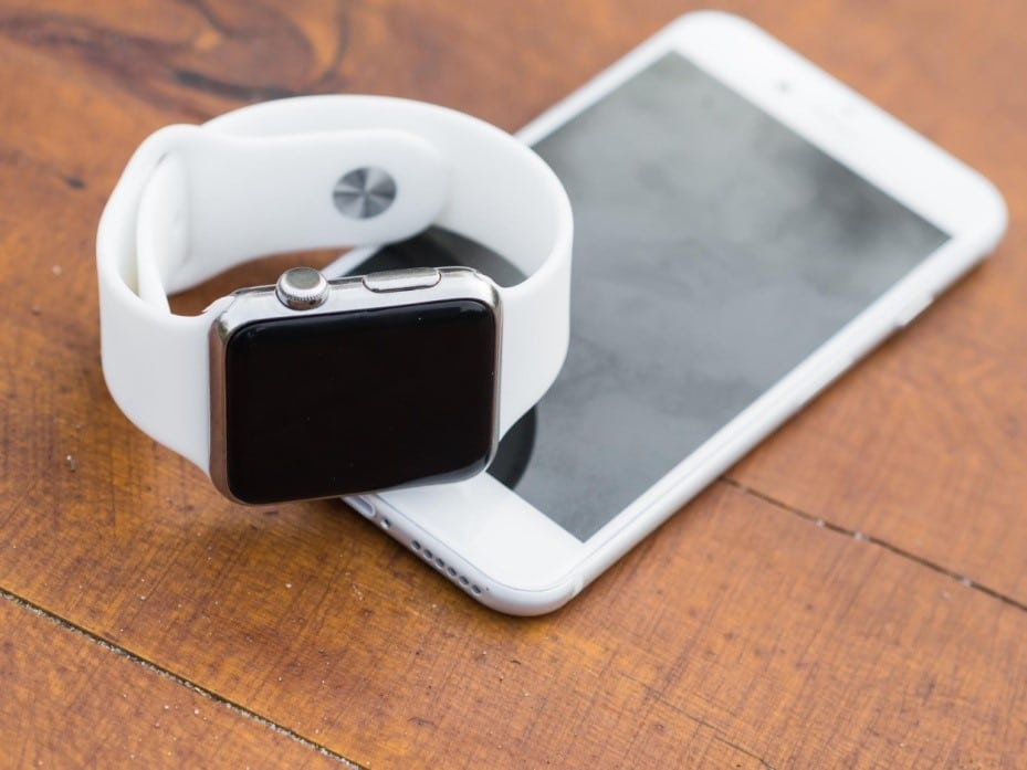 Apple Smartwatch with iPhone