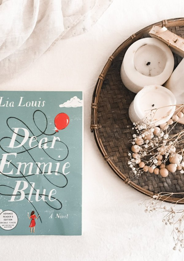 Dear Emmie Blue by Lia Louis / adorably British with a BIG heart