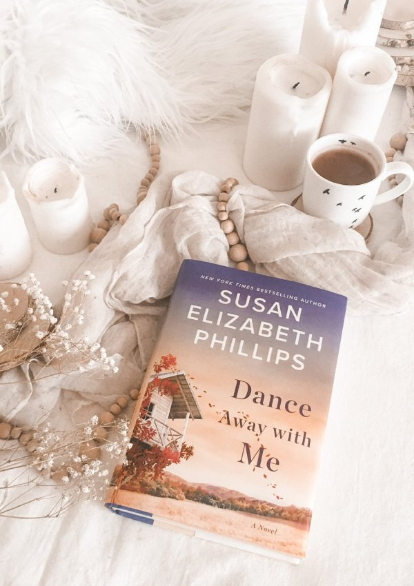 Dance Away with Me by Susan Elizabeth Phillips / surprisingly different