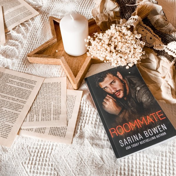 Roommate by Sarina Bowen | REVIEW | adorable MM novel