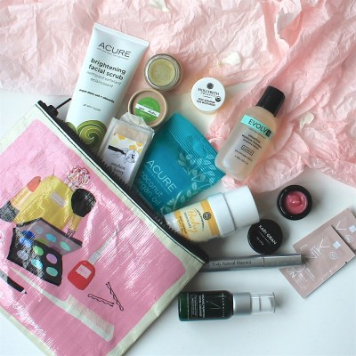 Holiday Gift Idea: Green Beauty Starter Bags from The Choosy Chick!