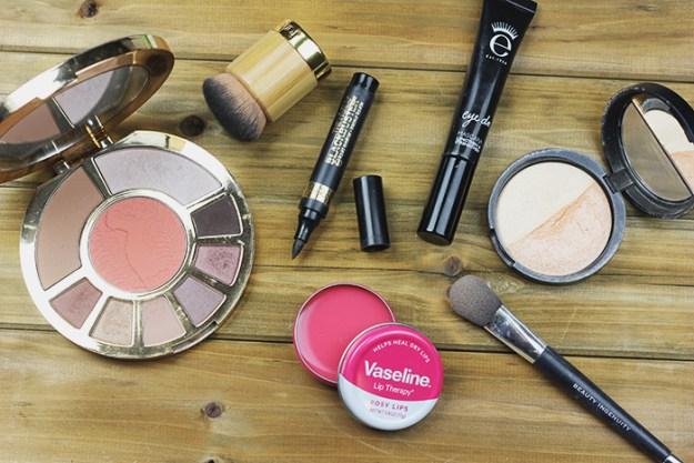 Vaseline-Lip-Tins-The-Brunette-One-6