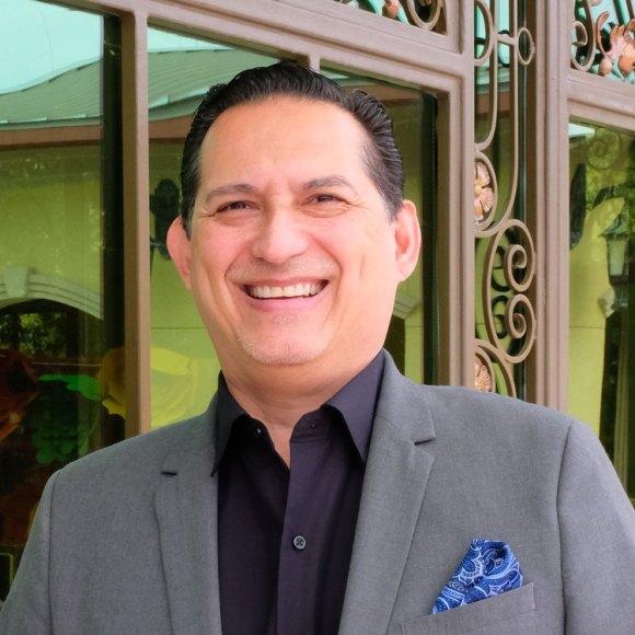 Peter Ochoa