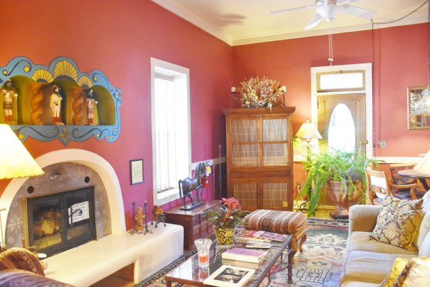 A sunny living area for all guests.