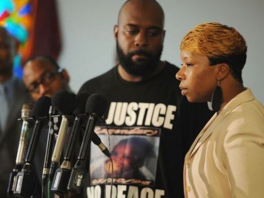 The Parents of Mike Brown. Michael Brown Sr. & Lesley McSpadden.  (Photo Credit: go.com)