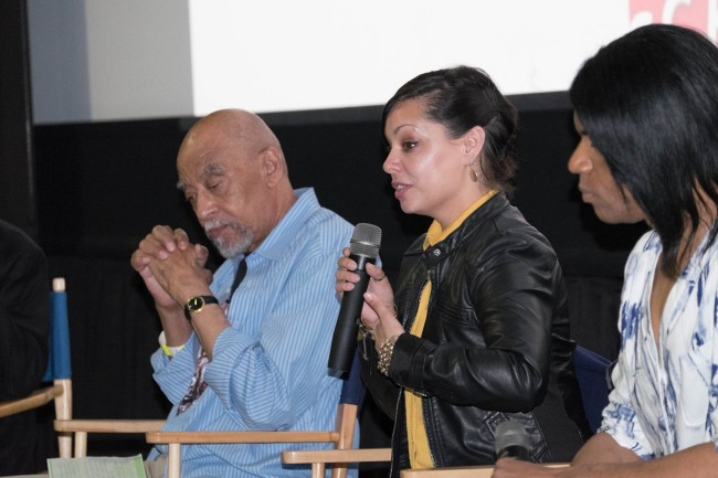 Revive Music Group founder/Blue Note Records executive producer Meghan Stabile (m.) and Grammy-nominated guitarist Stanley Jordan (r.) chat about the history of Blue Note Records (Photo Credit: Paul Biagui)