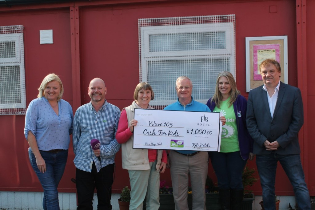 Wave 105 give BSC £1000