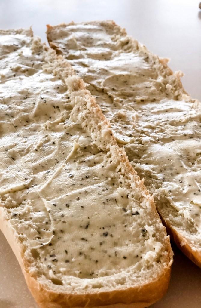 Garlic bread with butter spread
