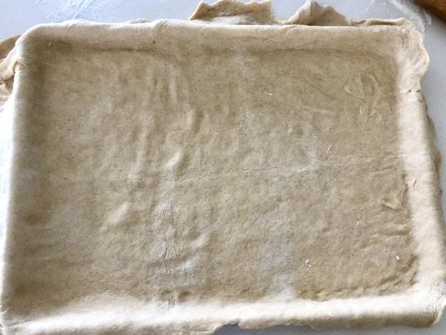 pie crust in half sheet pan