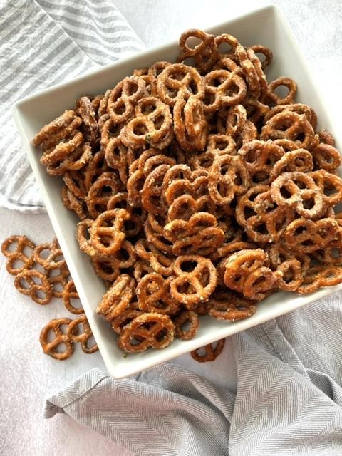 butter ranch pretzels in a bowl