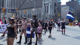 parade1136