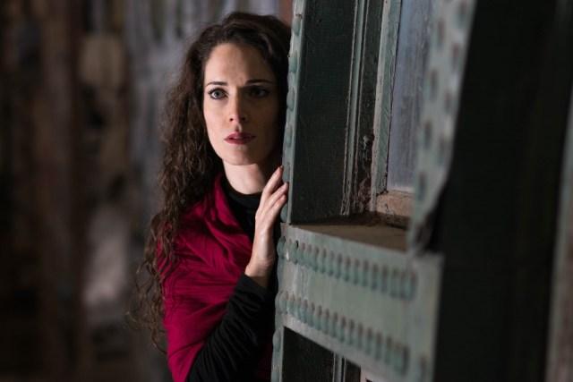 M'Dea Undone Featuring Lauren Segal - photo by Dahlia Katz